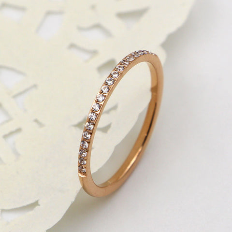 The new valentine's day gift flash drill is a very fine version of titanium plated 18K rose gold 20 diamonds ring female tail ring