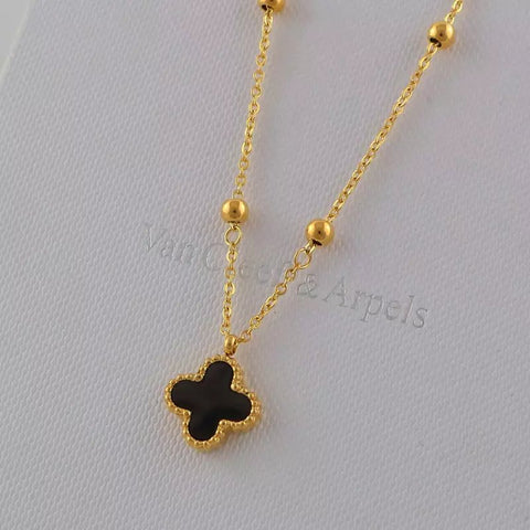 Four-leaf clover black and white double-sided necklace