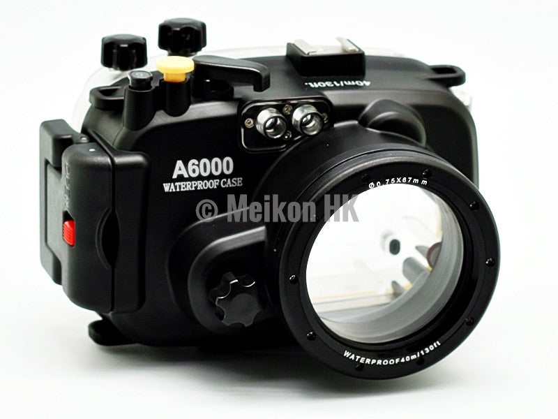 Sony A6000 (16-50) 40m/130ft Meikon Underwater Camera Housing