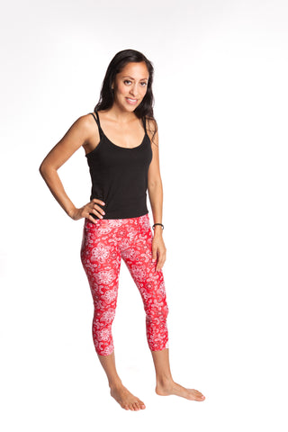 Women's Workout Leggings YogaBerries Sparkly Red Bandana Capri Multisport Tights