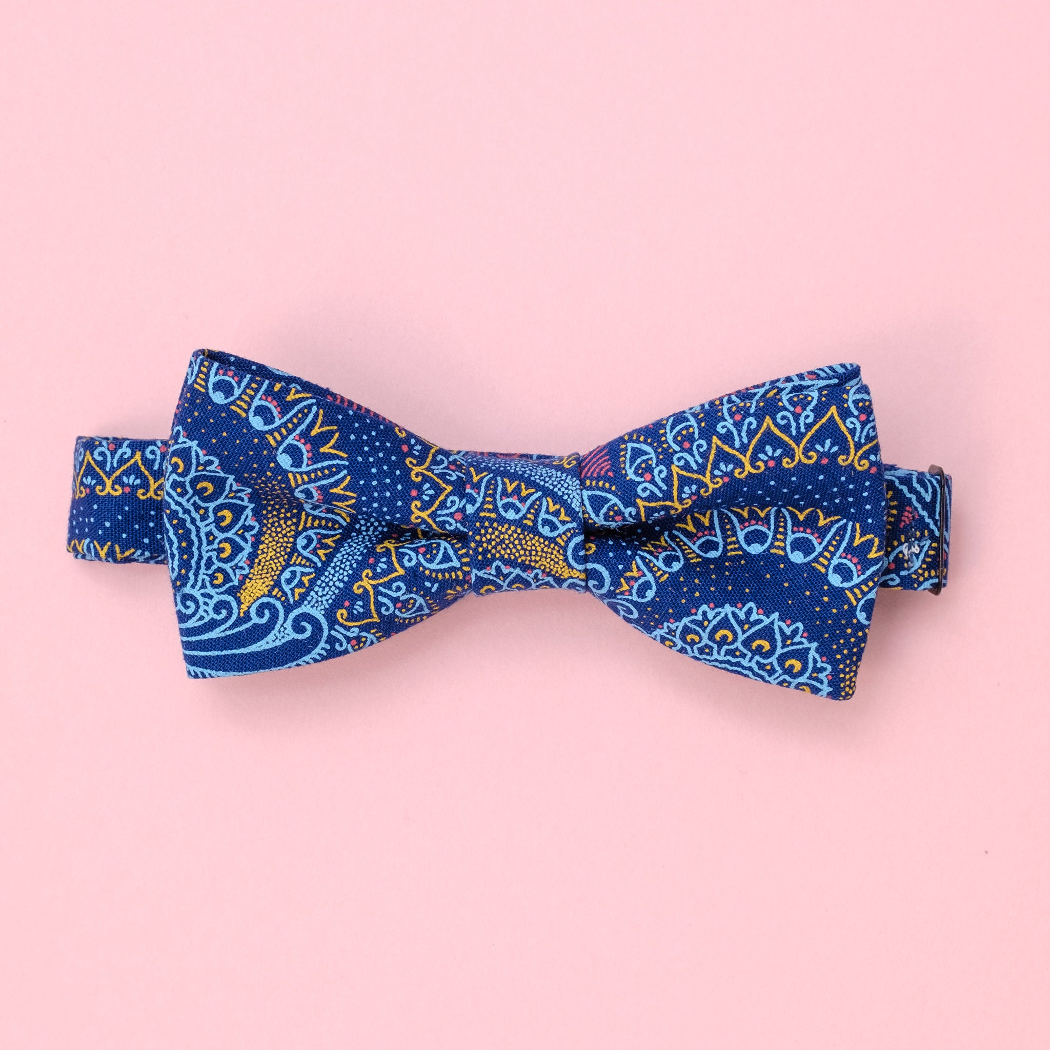 Afican Shweshwe Bow Tie African Paisely