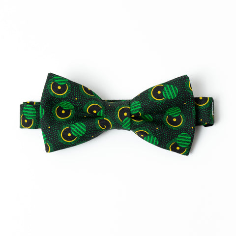 Out of This World Shweshwe Bow Tie