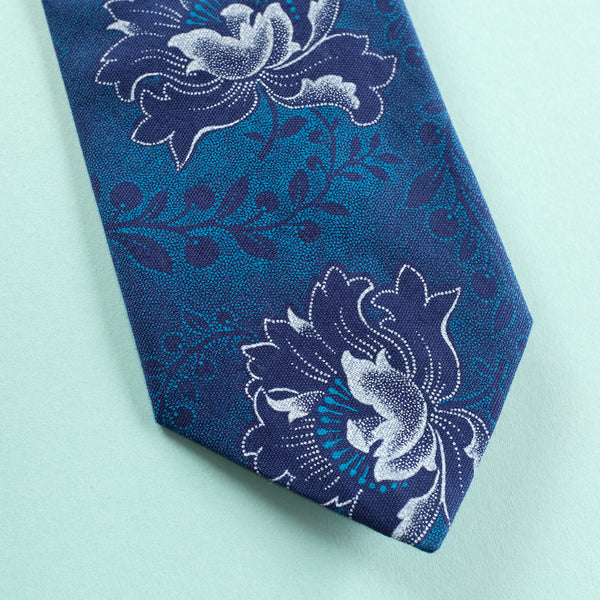 Deep Blue Flower Shweshwe Tie