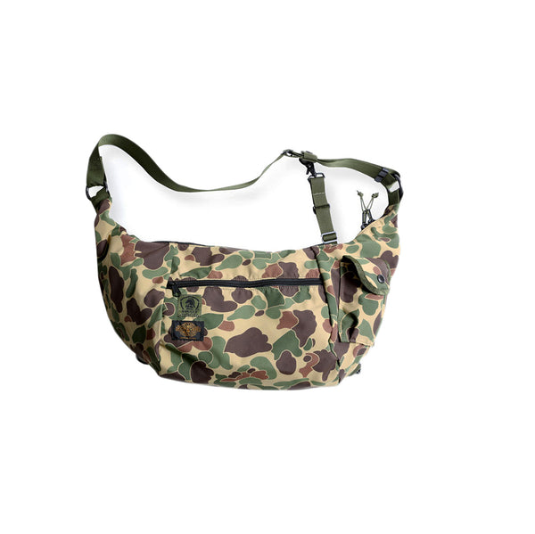 WATER RESISTANT SHOULDER BAG