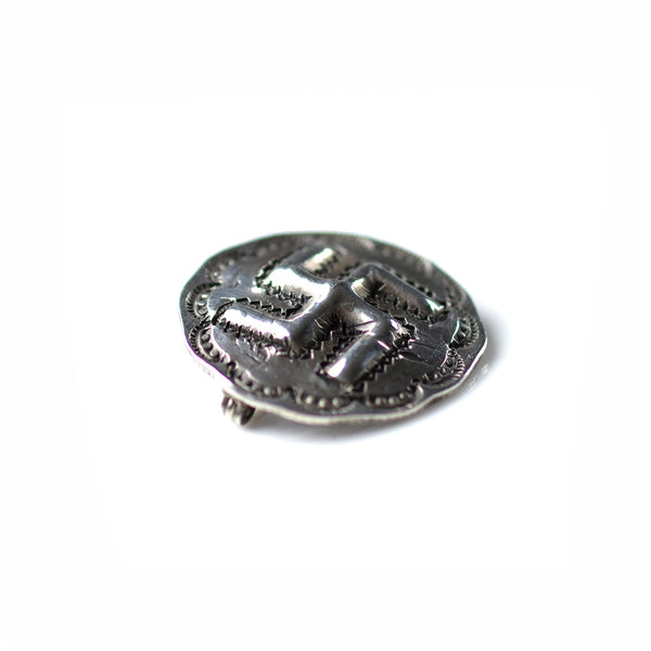 May club -【Chooke】STANDING LIBERTY REPOSE SWASTIKA PINS