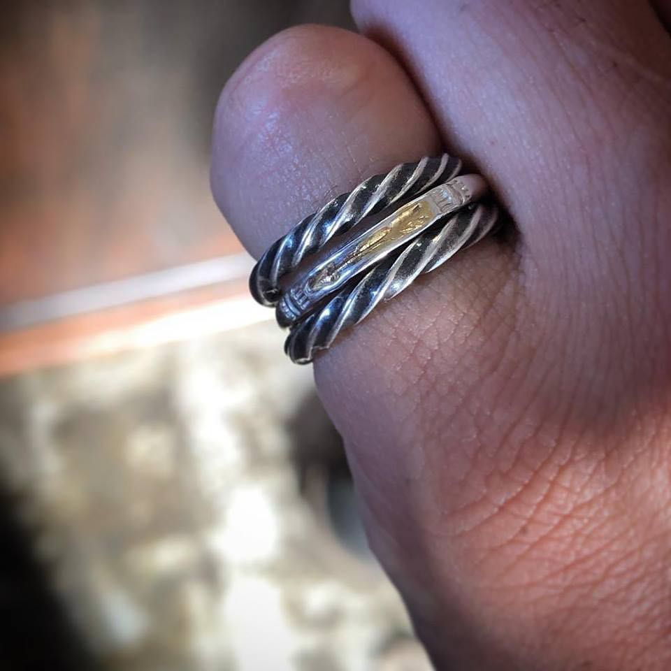 TWIST STAMPING NARROW RING - THUNDER
