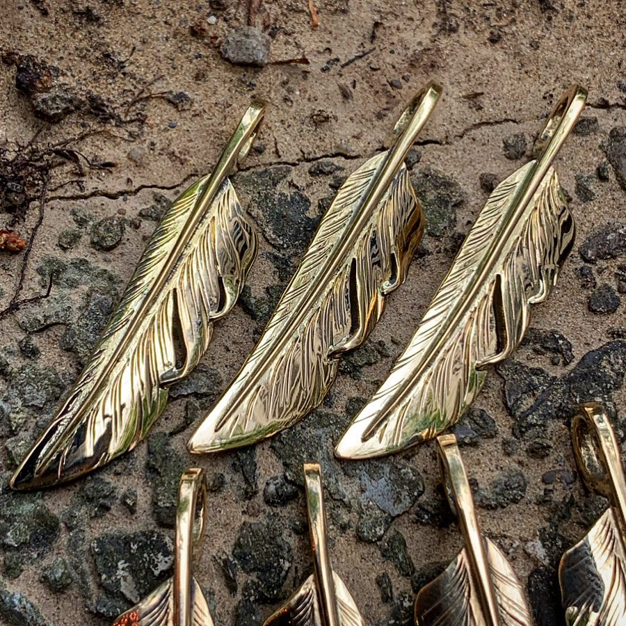 May club -【May club】LIMITED GOLD KNIFE FEATHER