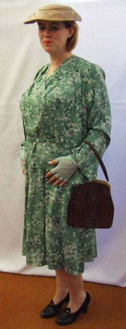 1940's / 1950's Vintage Dress ~ Hire ~  Green Floral Day Dress~ Size 14 - 16