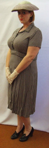 1940's Vintage Style Tea Dress ~ Taupe and white ~ Size 16 ~ Hire ~ Day Wear