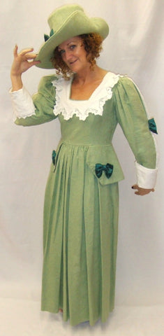 18th Century Gown  ~ Green and Lace   ~ size 10 -12
