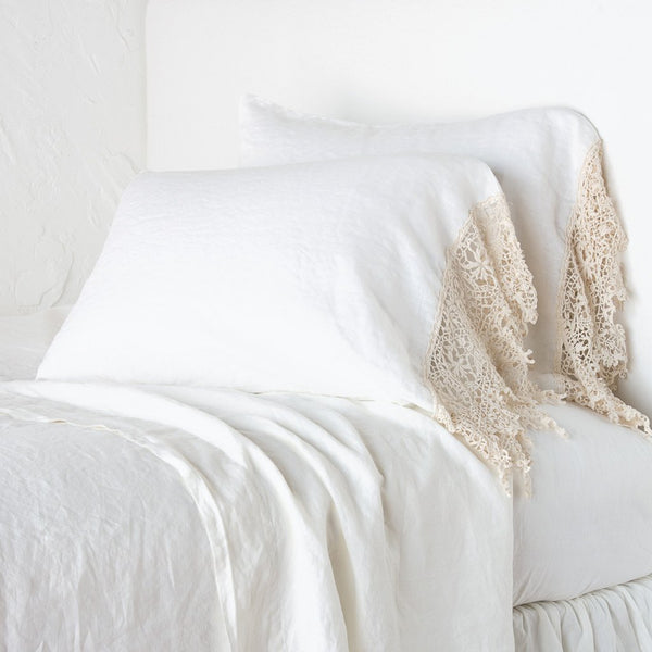 Frida STD Pillowcase with Lace Winter White