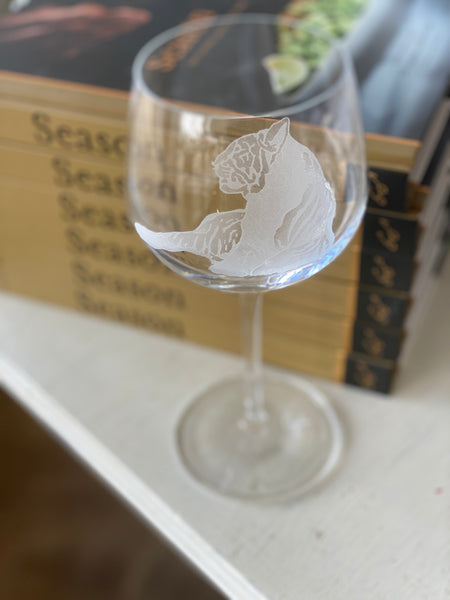 Carved Tiger Oval Wine Glass