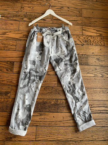 Camo Stretch Crinkle Pant