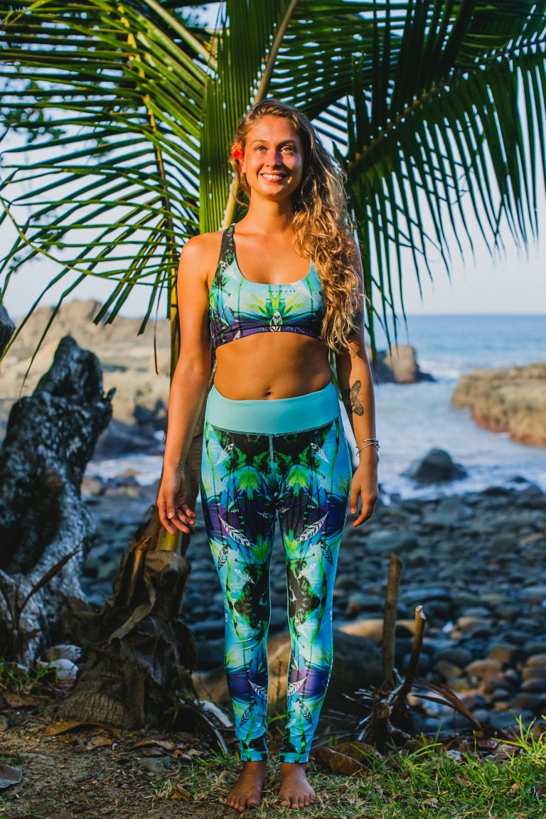 'Jungle Feathers' recycled pura vida top