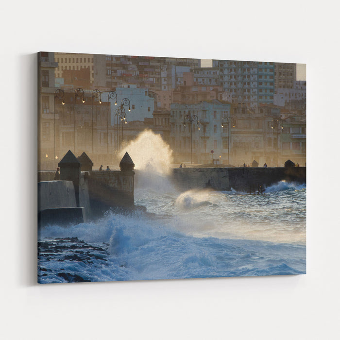 Waves Crashing Against The Sea Wall Of The Malecon In Havana, Cuba ...