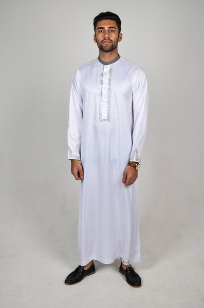 RM18 Classic White Thobe with Embroidery