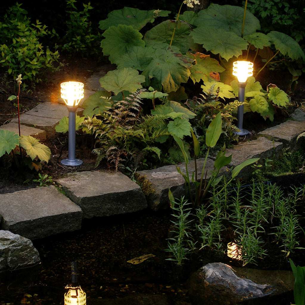Vitex low voltage garden lights post light 3135171 for 12v garden lights