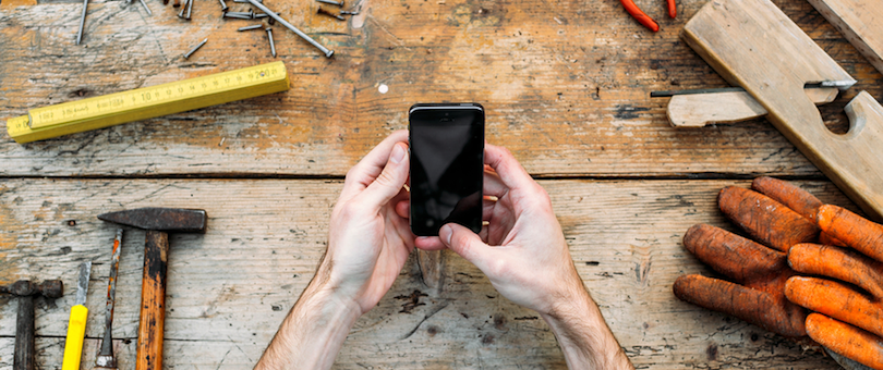 B2B Mobile Commerce: Everything You Need to Know