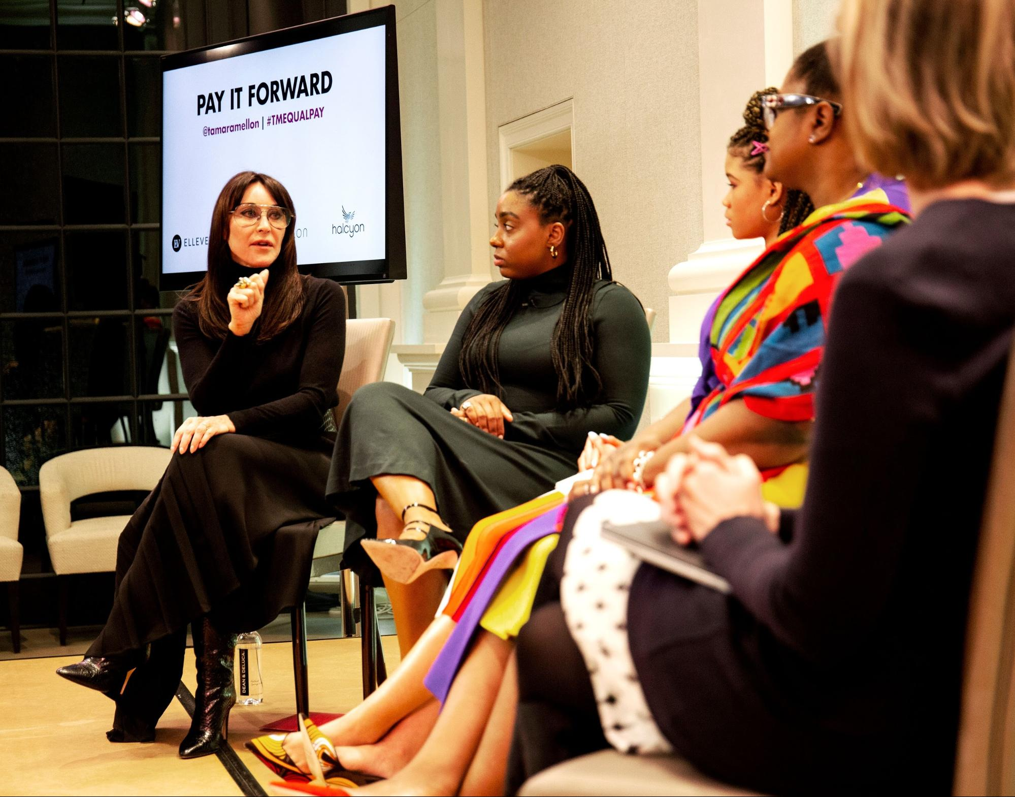 Tamara Mellon speaking to other women