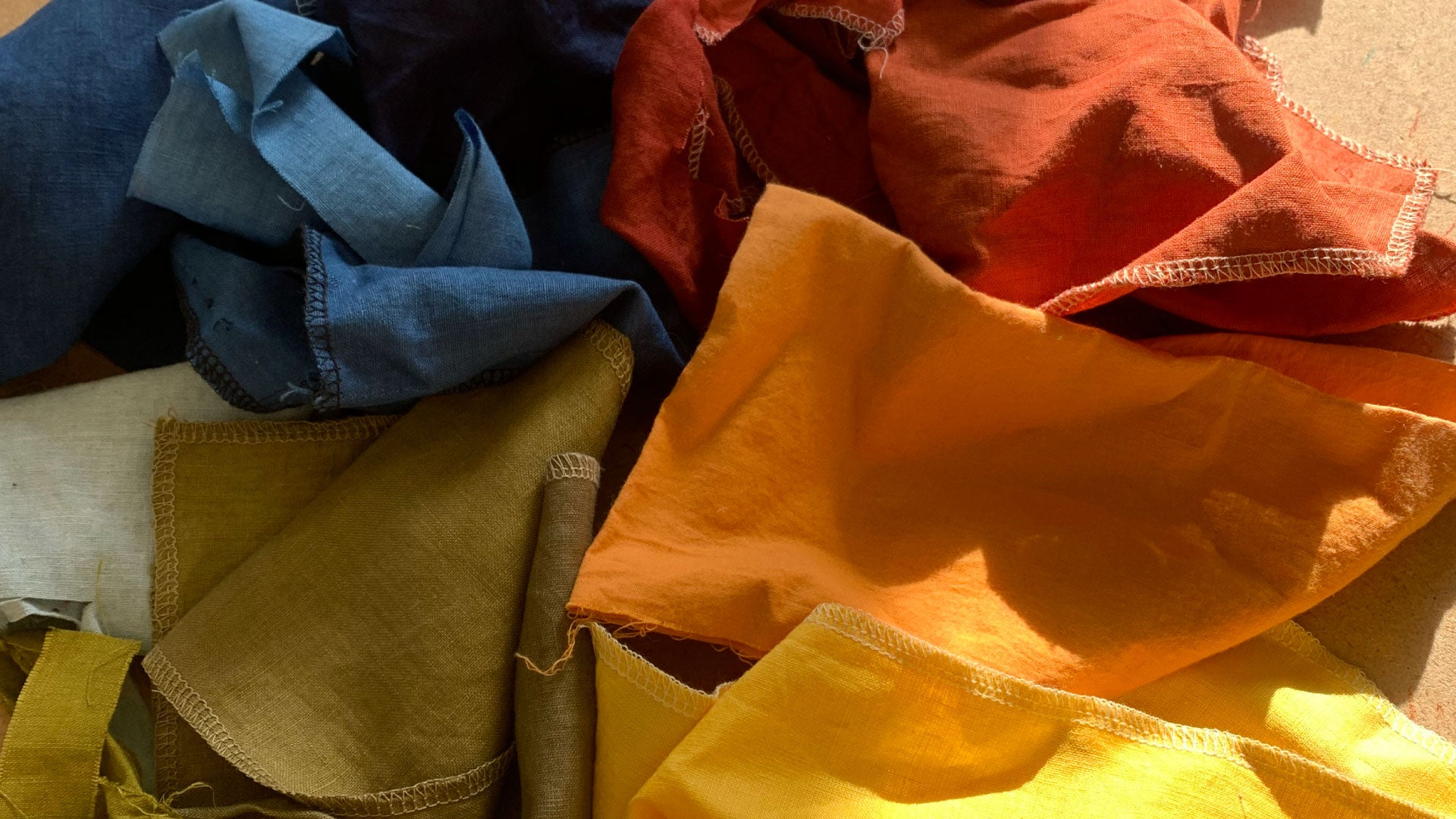 natural dyes from plants and flowers swatches