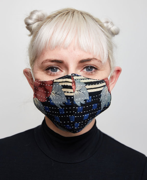 Fitted multicolored vintage cotton face mask which helps to protect against the coronavirus