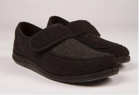 Slippers - Men's Foamtreads® Morgan Slippers. (sizes: 7 And 10)