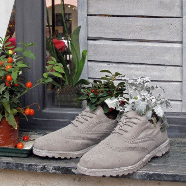 Chaussures Shoe Vase | Object Holder, Concrete - Coveted Gifts - 3