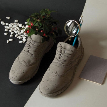 Chaussures Shoe Vase | Object Holder, Concrete - Coveted Gifts - 4