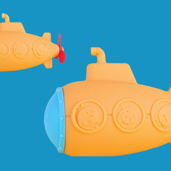 Marcus & Marcus Squirting Silicone Bath Toy- Submarine