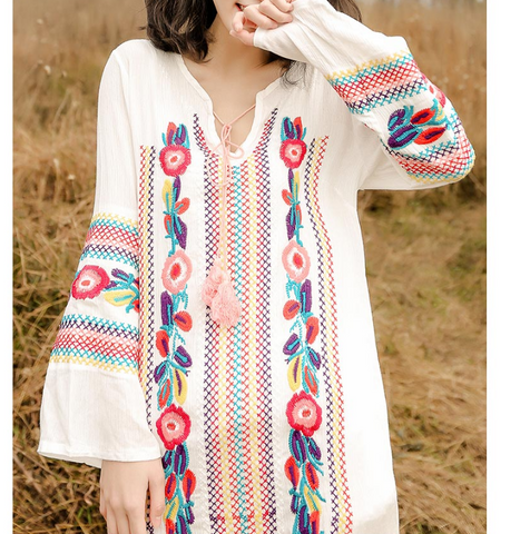 Fashion flower embroidery long sleeve dress