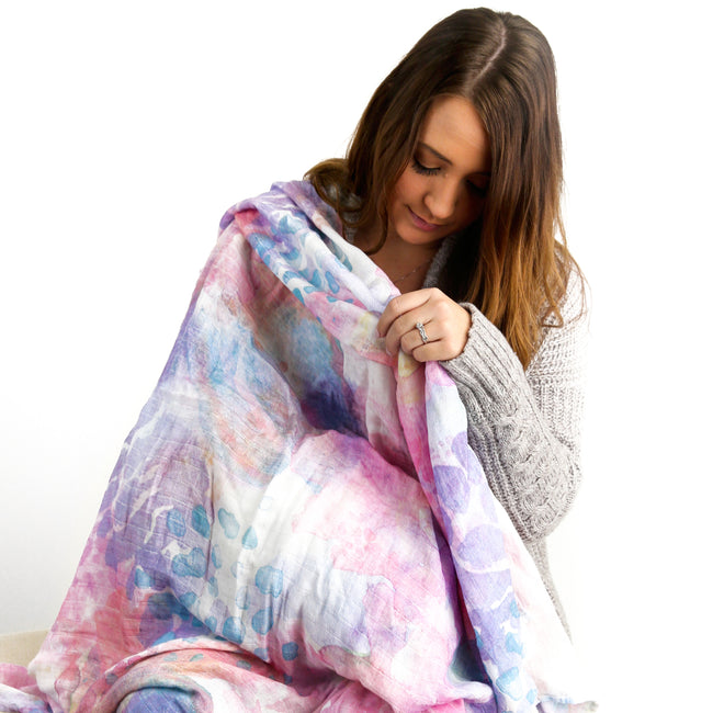 Our muslin blanket can be use as nursing cover