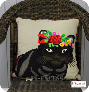 Pignut Casual Living Country Style Cotton Family Friends Floral Cat Cushion - 45 x 45cm