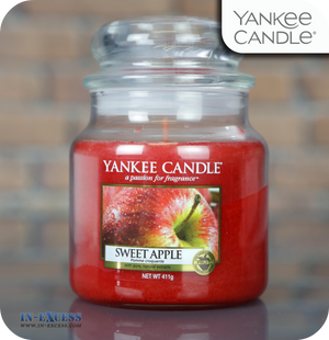 Yankee Candle Scented Medium Jar Sweet Apple - 411g