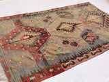Turkish Kilim rug in excellent condition, 9,5 x 5,6 feet - Sophie's Bazaar - 4