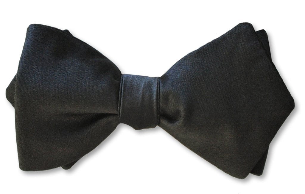 Black Satin Diamond Point Pre-tied
