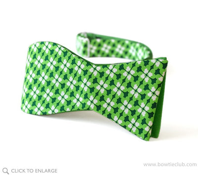 Dublin Reversible St Patrick's Day Clover self tie bow tie