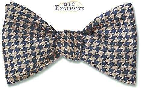 pre-tied Houndstooth bow tie in navy and grey