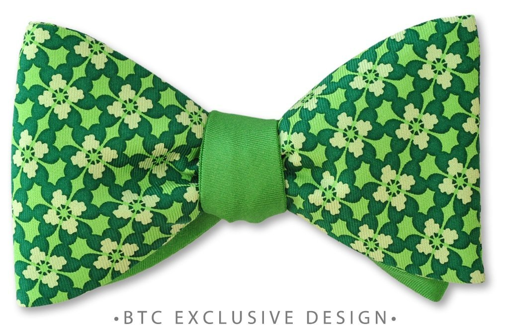 Green Clover St Patrick's Day two sided pre-tied bow tie