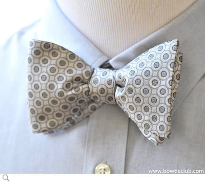 White and Silver Formal Events Bow Tie Pre-tied