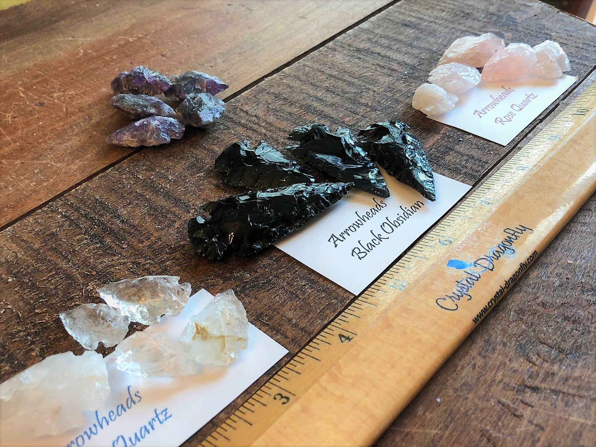 Arrowheads carved from assorted gemstones; FB1603