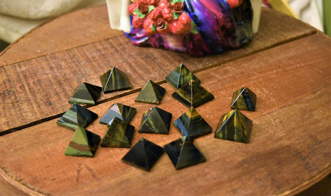 Blue Tiger Eye Pyramids: FB1535