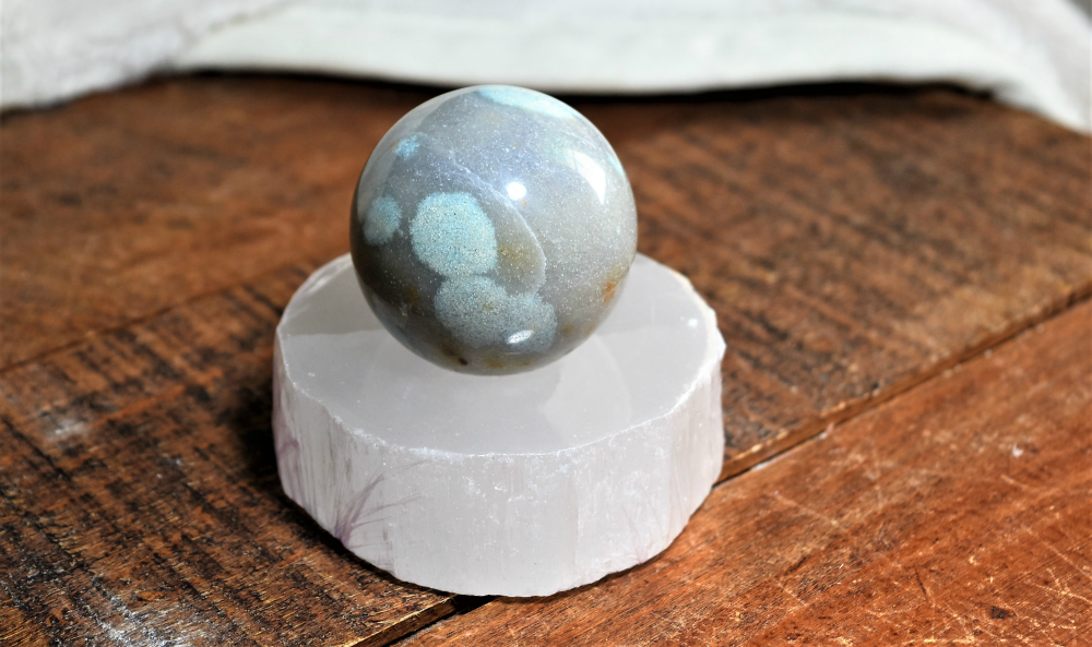 Selenite Stands for Spheres
