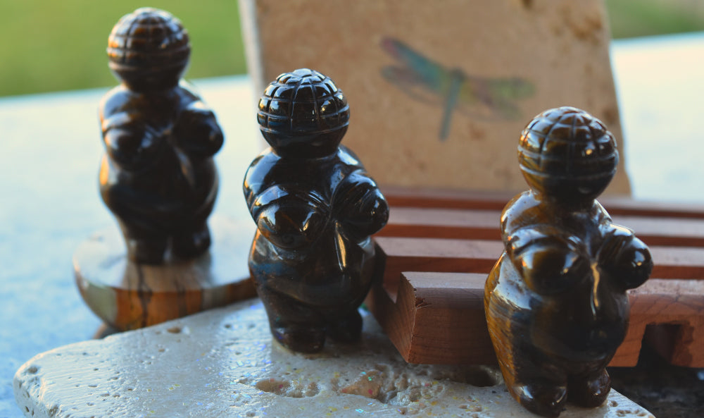 Venus of Willendorf Carved from Tiger Eye; FB1337