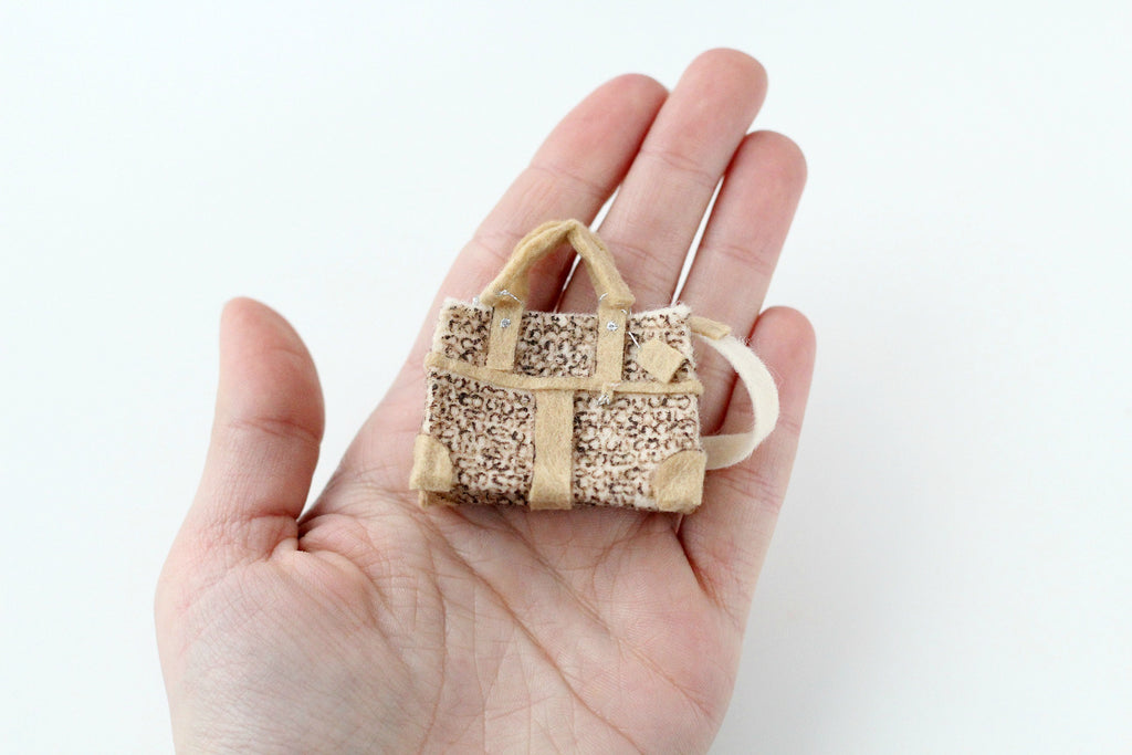tiny bag for selfie doll