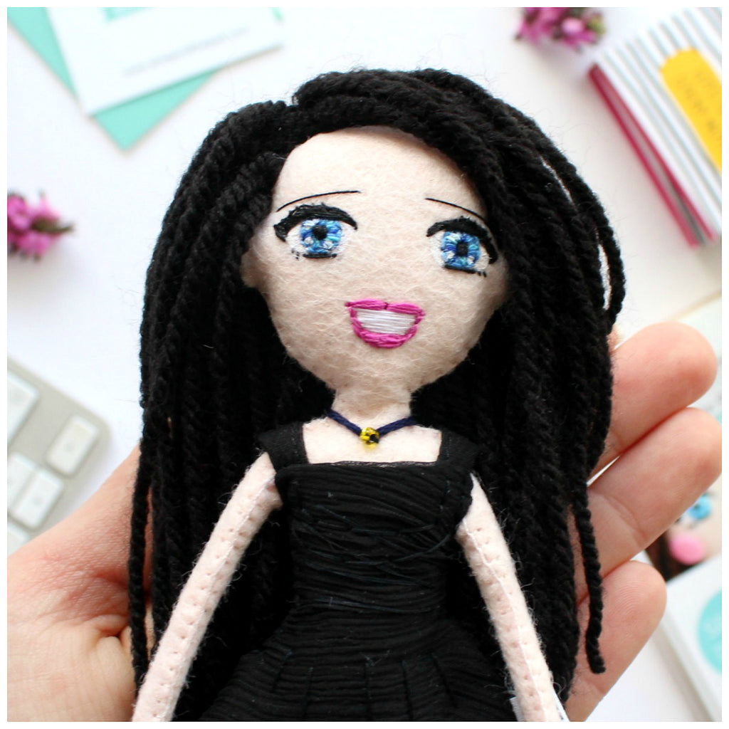 custom art dolls to look like you or your loved ones. What to give parents for anniversary, wedding. Selfie dolls. Boyfriend gift ideas. Gifts for her. Mothers day gift. Valentines Day gift. Mum to be gifts. Personalised dolls. Family portraits. Where to buy personalised gift. What to give boyfriend. Anniversary gifts. What to give dad on his birthday. SHOP: www.whisperofthepipit.com