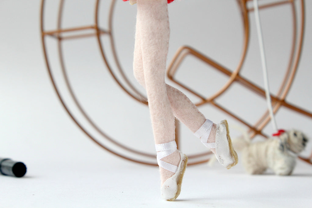 ballerina legs, ballerina shoes, custom art dolls to look like you or your loved ones. What to give parents for anniversary, wedding. Selfie dolls. Boyfriend gift ideas. Gifts for her. Mothers day gift. Valentines Day gift. Mum to be gifts. Personalised dolls. Family portraits. Where to buy personalised gift. What to give boyfriend. Anniversary gifts. What to give dad on his birthday. SHOP: www.whisperofthepipit.com