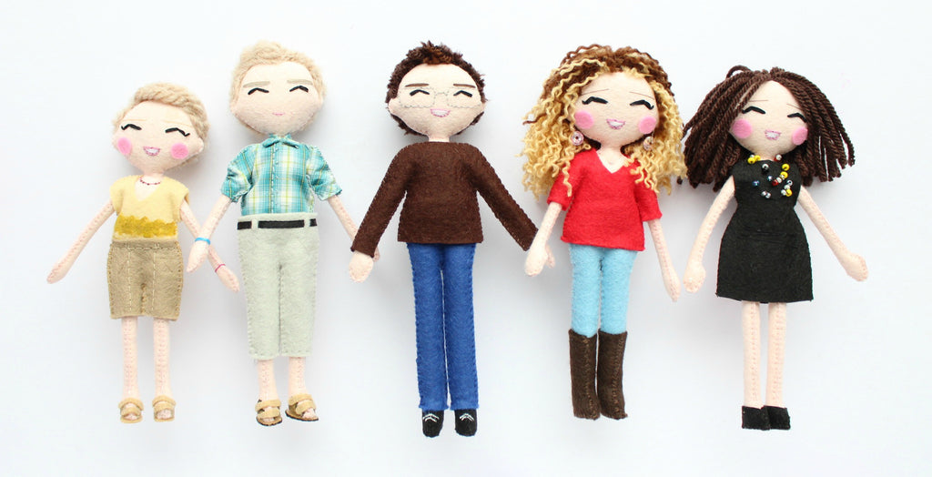 Family art dolls (18cm) made according to the picture provided by the customer. Personalised dolls are fantastic gift idea for all the family. Mini-you art dolls.