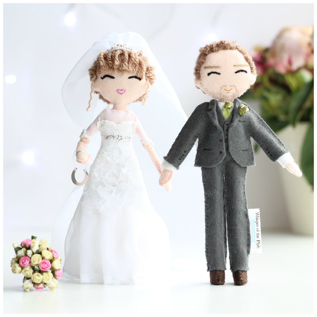 Wedding custom made art dolls. Wedding cake toppers personalised. Personalised wedding dolls from felt. Wedding outfits. Dolls to buy for wedding