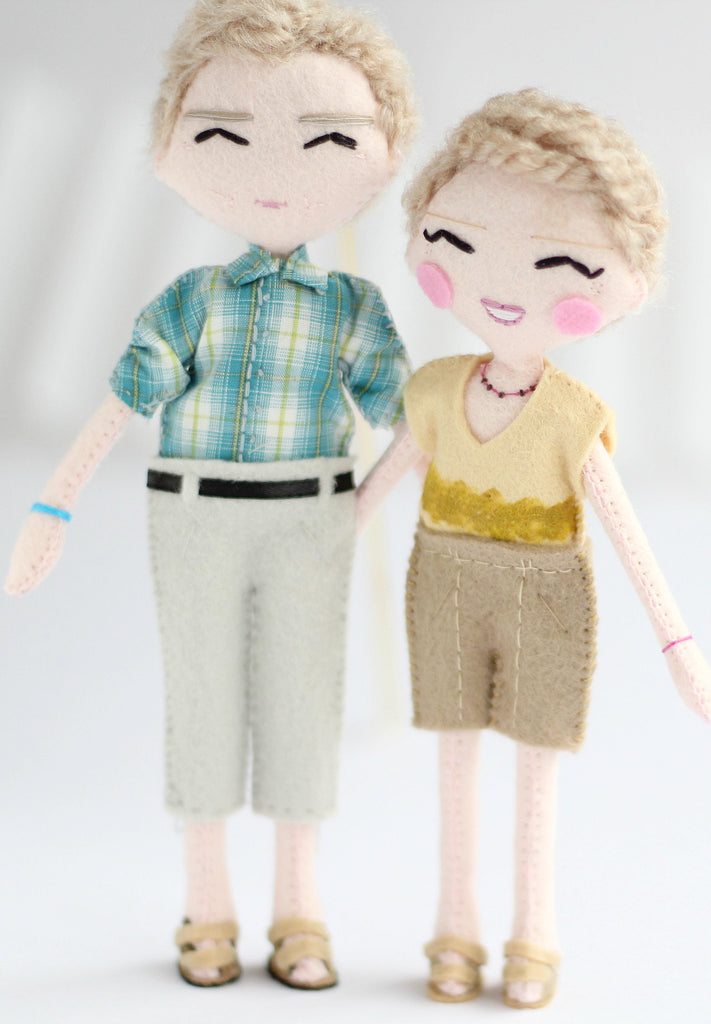 Mum and dad, 18cm felt art dolls. What a wonderful gift idea! SHOP: www.whisperofthepipit.com