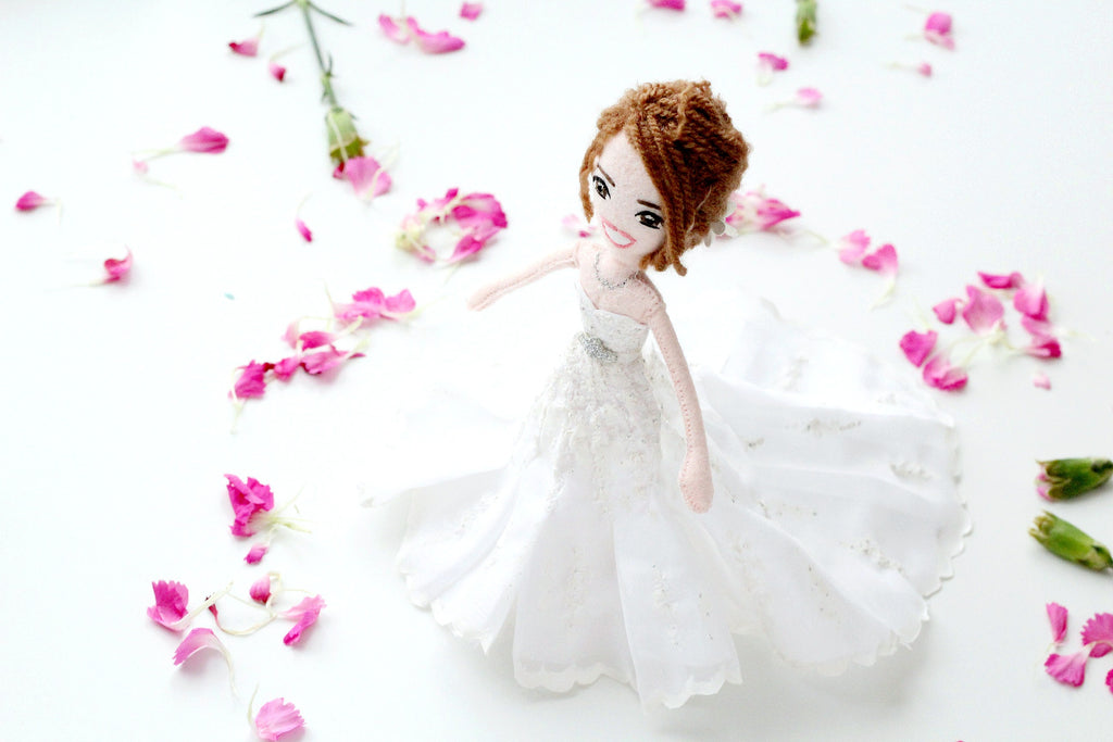 white wedding custom dolls make wedding unique